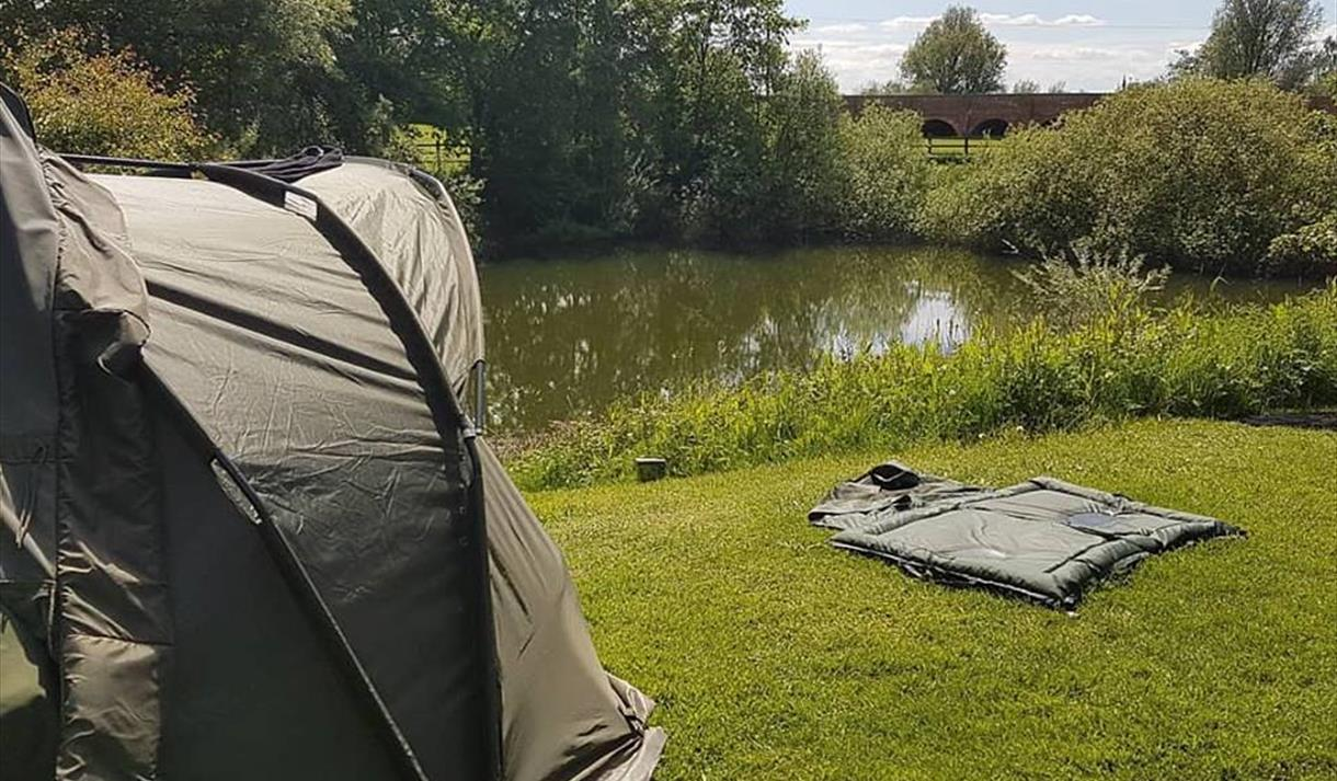 Smeaton's Lakes - Touring, Caravan and Fishing Park - Newark