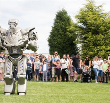 Titan the Robot at Robin Hood's Wheelgate Park