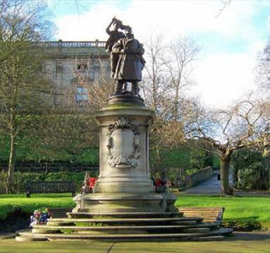 Albert Ball Statue | Visit Nottinghamshire