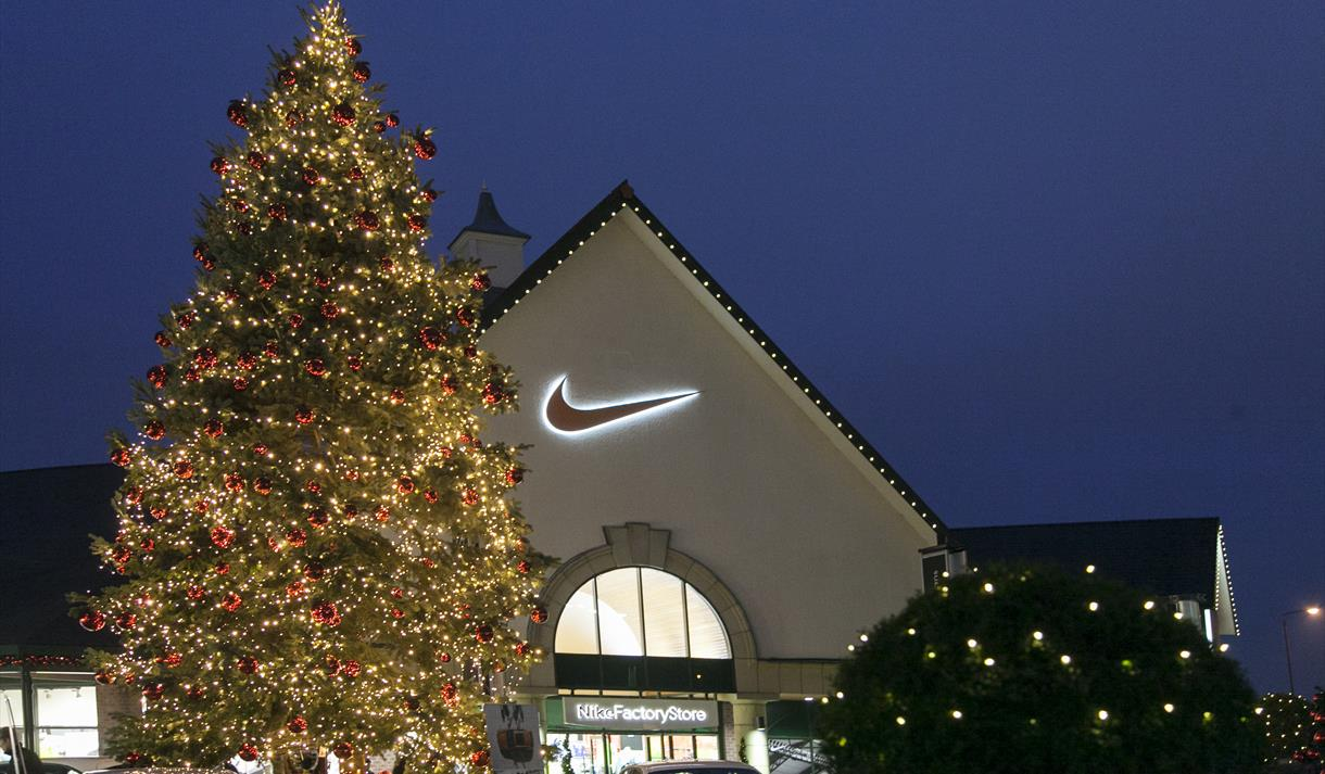 Christmas Light Switch On at East Midlands Designer Outlet