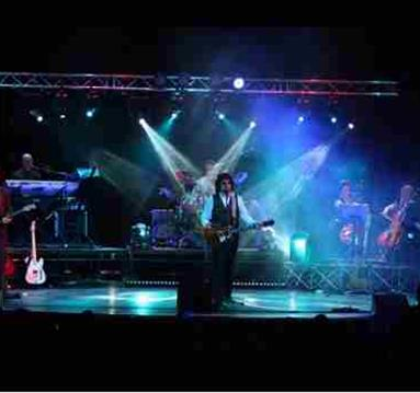 The ELO Experience PLUS The Surfin' Llamas at Conkers Derbyshire
